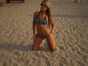 Lucrecia from Elim, Alaska is looking for adult webcam chat