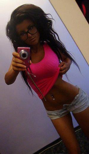Gerda is looking for adult webcam chat