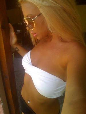 Charleen from Topeka, Kansas is looking for adult webcam chat