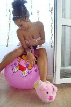 Manuela is looking for adult webcam chat