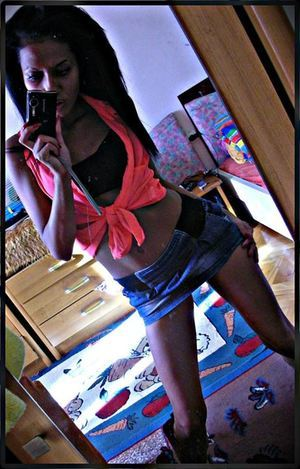 Anisha from Hull, Iowa is looking for adult webcam chat